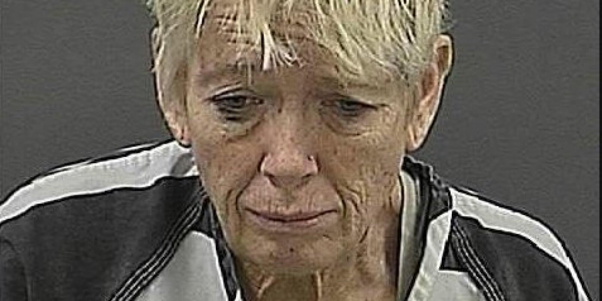 Cynthia Anderson affoga cucciolo