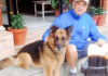 nepal terremoto cane salva turisti